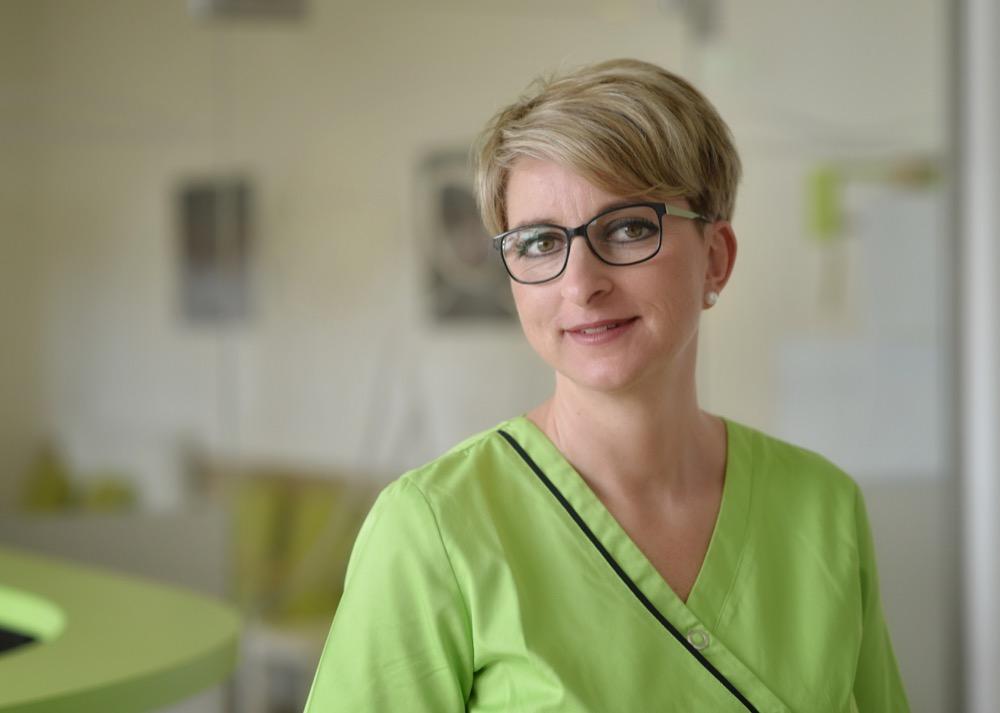 Nancy, Arzthelferin